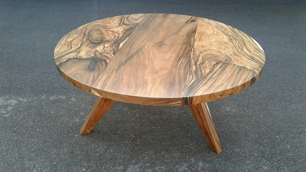 Three plank acacia slab round table